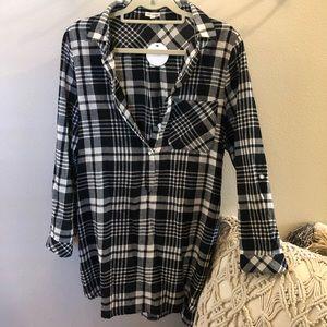 En creme black and white flannel